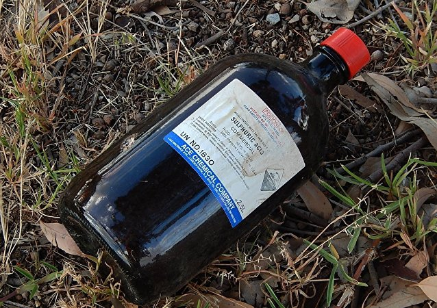 Una botella de ácido sulfúrico