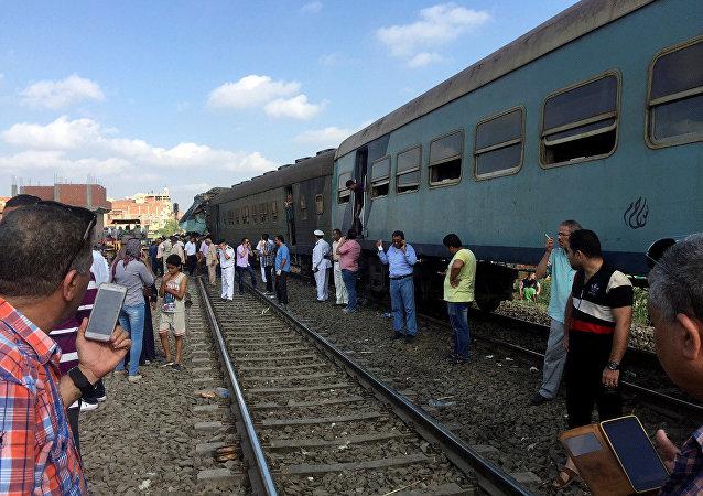 Colisión de trenes en la ciudad de Alejandría en el norte de Egipto