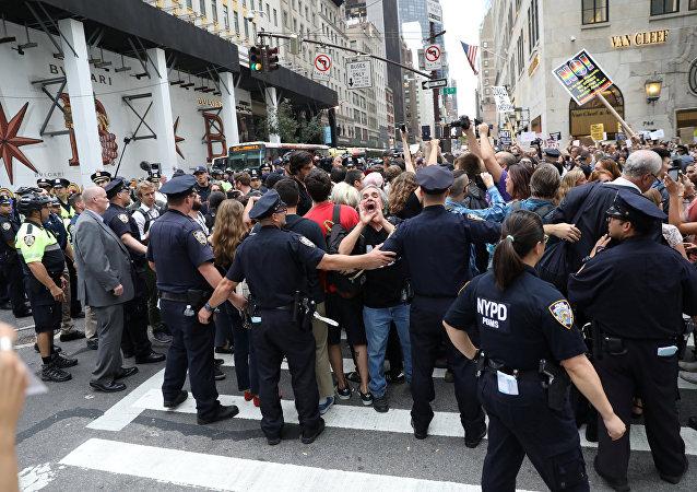 Protesta contra Donald Trump en Nueva York