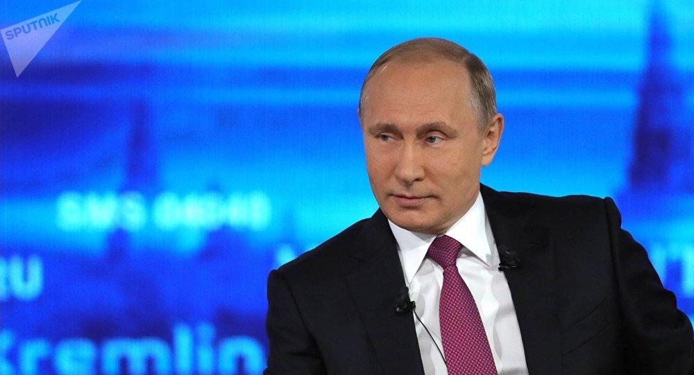 Vladímir Putin, presidente de Rusia, derante su 15ª 'Línea directa'
