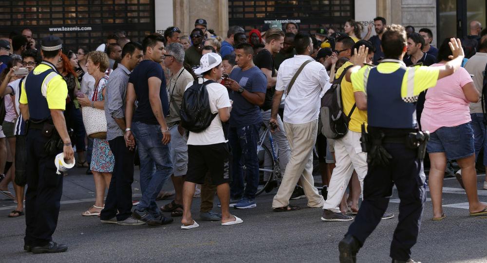 La gente en Las Ramblas, Barcelona, donde se produjo el atentado