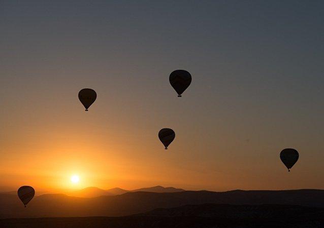 Globos de aire volando