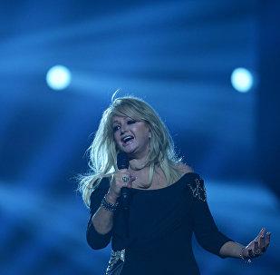 La cantante Bonnie Tyler durante un concierto (archivo)