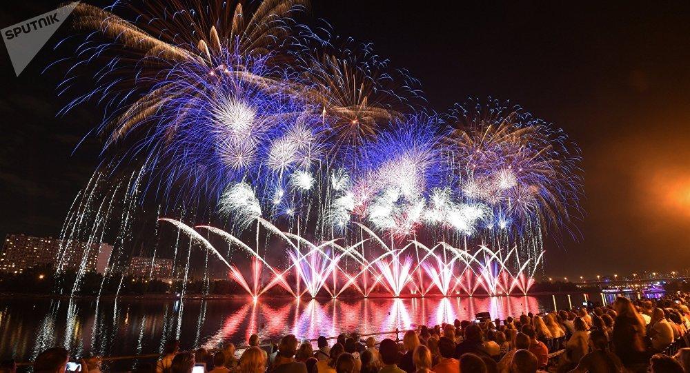 El Tercer Festival Internacional de Fuegos Artificiales Rostec en Moscú