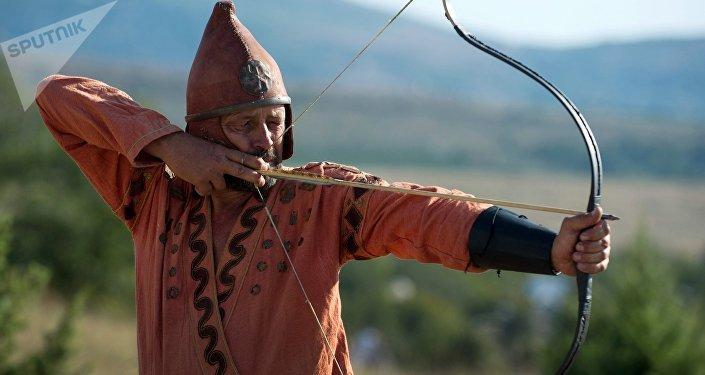 Reconstrucción de un guerrero escita en el marco del festival 'Nómadas Scolotes' en Crimea, 10 de septiembre de 2016