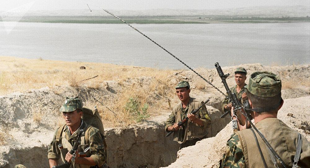 Soldados del Ejército de Tayikistán