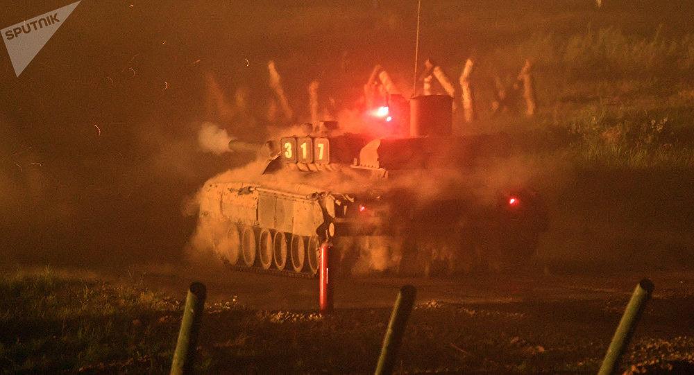 La batalla nocturna en el Foro Internacional Técnico Militar Army 2017