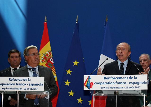 El ministro del Interior de España, Juan Ignacio Zoido con su homólogo, Gérard Collomb
