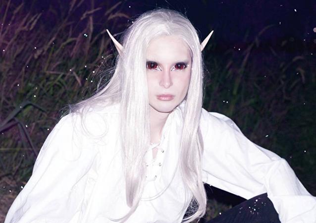 Luis Padron hecho un elfo humano