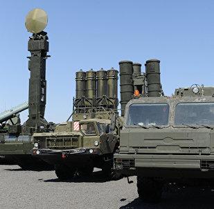 El sistema de defensa aérea S-400 Triumf