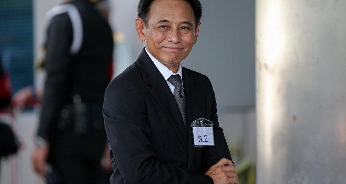Boonsong Teriyapirom. exministro de Comercio tailandés