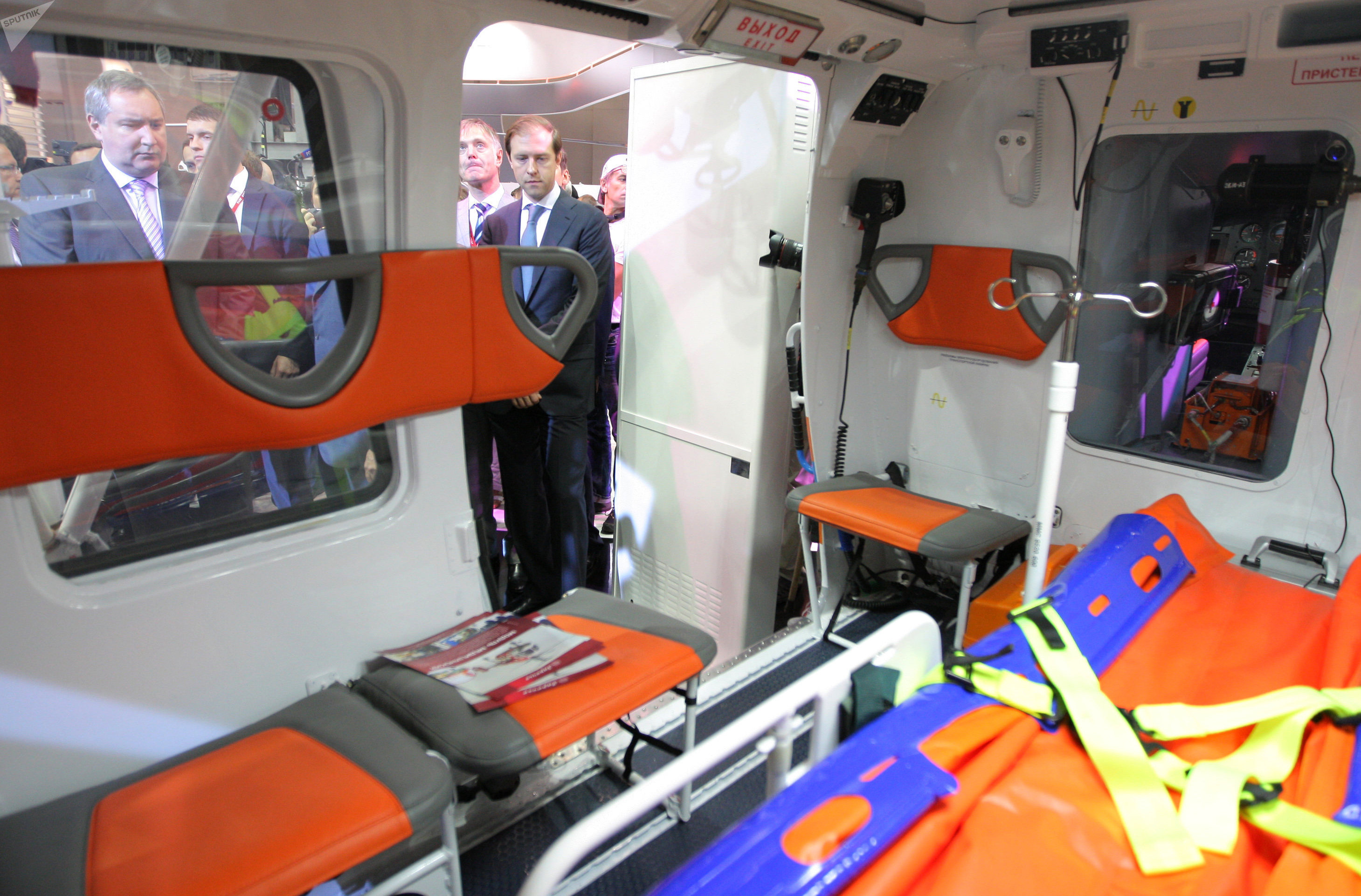 Módulo médico del helicóptero Ka-226 expuesto en la feria HeliRussia 2013