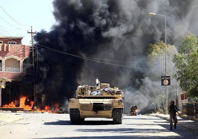 Un tanque iraquí en Tal Afar, Irak