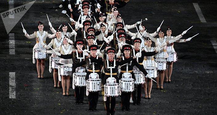 La espectacular ceremonia de inauguración del festival Torre Spásskaya en Moscú
