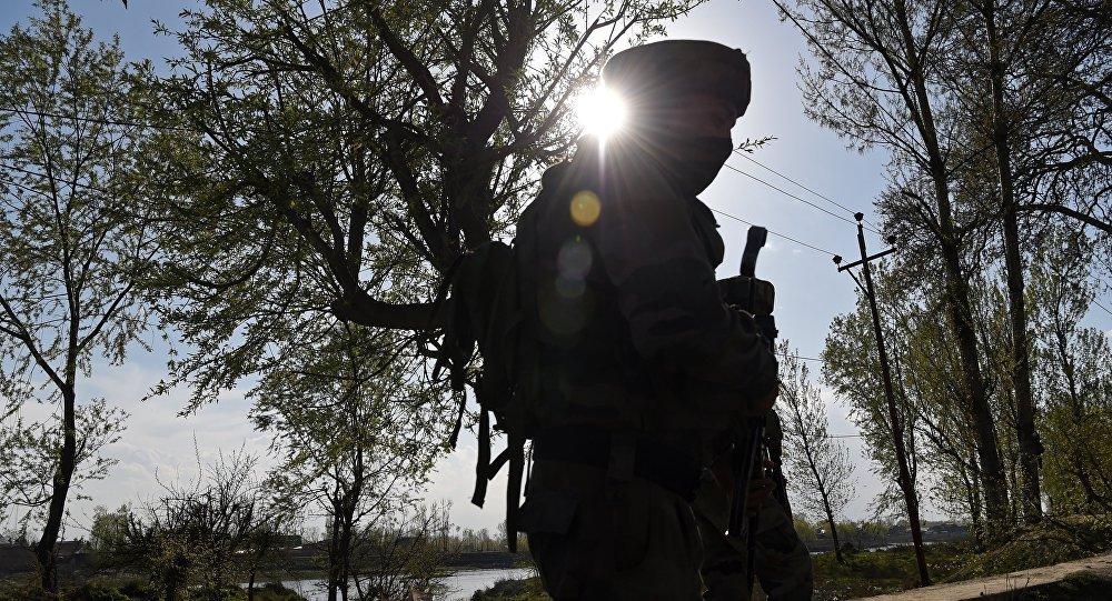 Soldado indio (archivo)