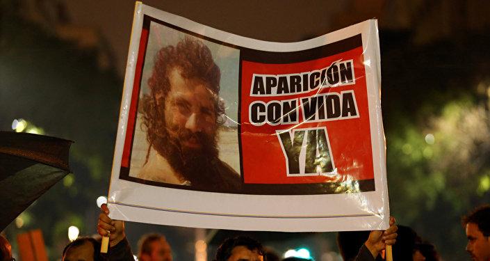Protesta en Buenos Aires, Argentina, por la desaparición del activist Santiago Maldonado