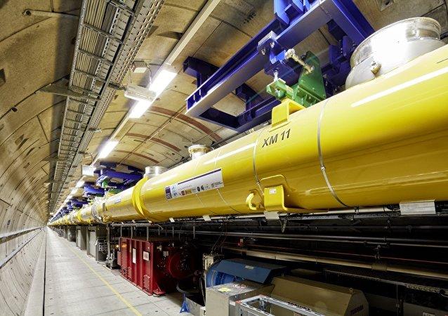 Dentro de uno de los túneles del Láser Europeo de Electrones Libres y Rayos X (XFEL)