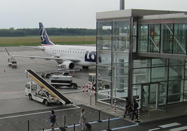 Un aeropuerto en Polonia (archivo)