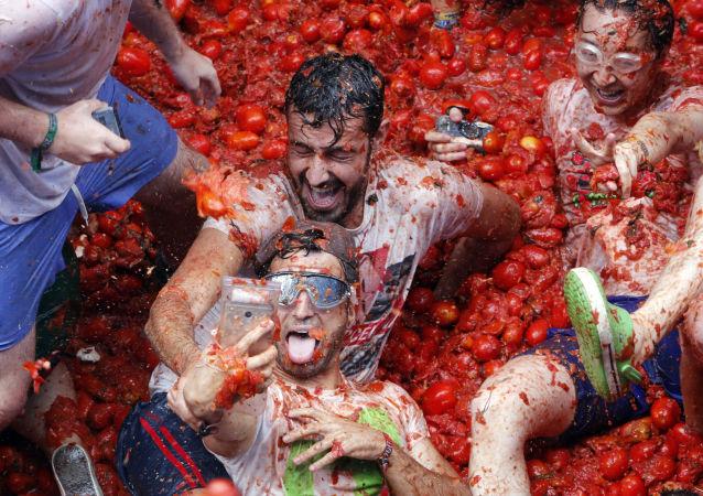 La Tomatina anual en España