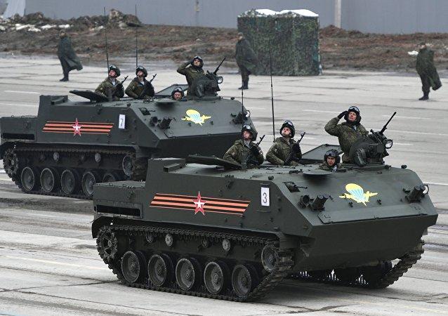 Ensayo de los equipos militares rusos para el Día de la Victoria