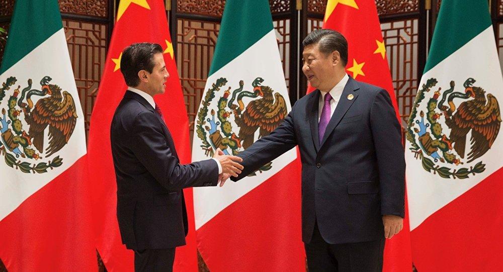 Presidente de México, Enrique Peña Nieto, y su homólogo chino Xi Jinping