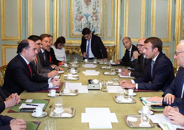 Presidente de la Asamblea Nacional de Venezuela, Julio Borges, y presidente de Francia, Emmanuel Macron