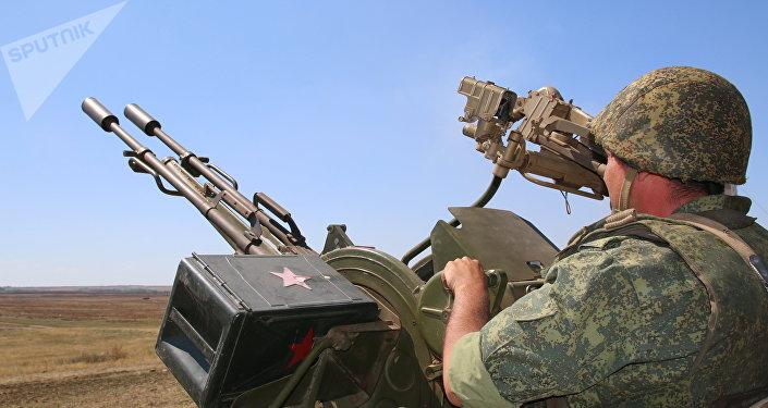 Un miliciano de Lugansk
