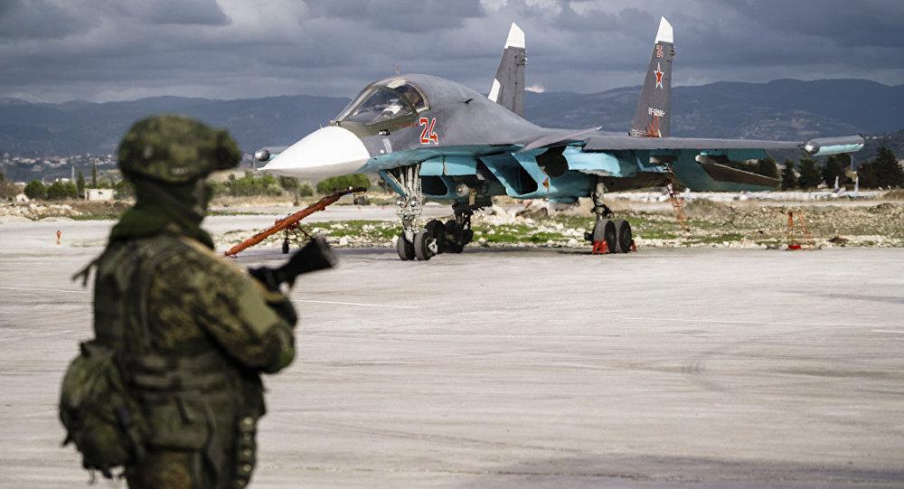 Militar ruso en la base aérea de Hmeymim, Siria (archivo)