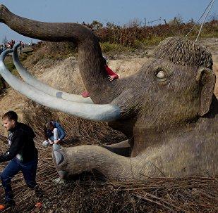 Una escultura de mamut en el Lejano Oriente