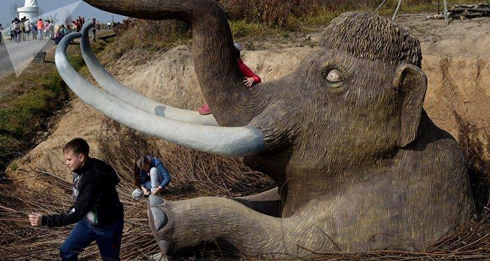 Una escultura de mamut (imagen referencial)