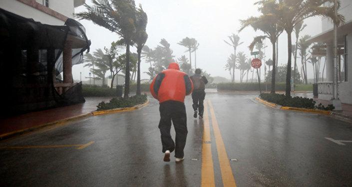 Huracán Irma deja las tres primeras víctimas fatales en Florida