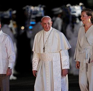Presidente de Colombia, Juan Manuel Santos, papa Francisco y primera dama del país, María Clemencia Rodríguez de Santos