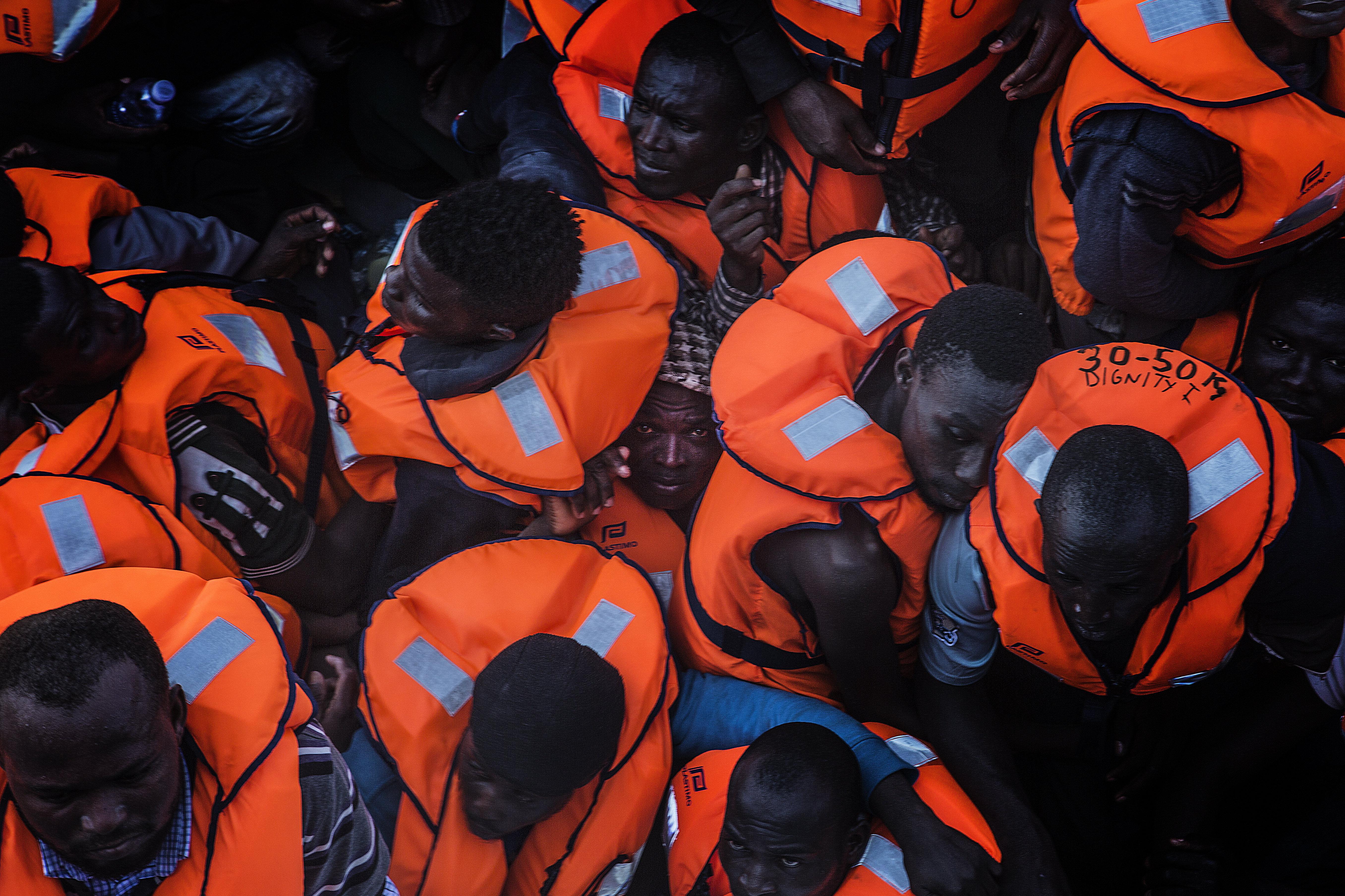 El Mar Mediterráneo es una de las rutas migratorias más peligrosas del mundo: en 2016 murieron ahogadas más de 5.000 personas