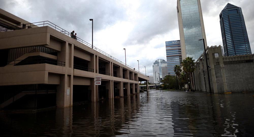 Daños por 'Irma' en Florida, podrían alcanzar los 20 mil mdd