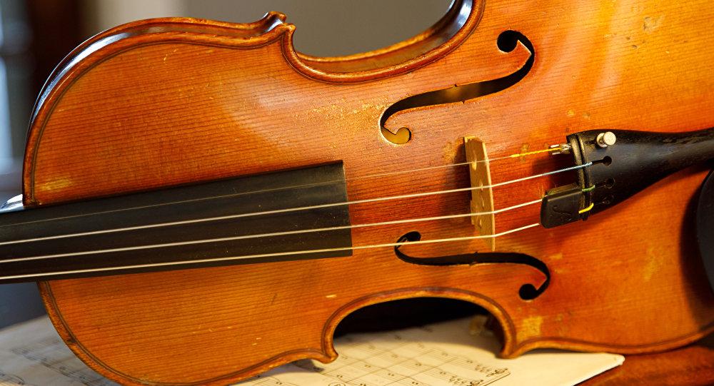 Un violín (imagen referencial)