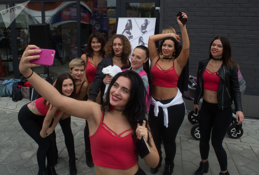 Modelos, 'body painting' y Moscú: los instantes más inolvidables de esta semana