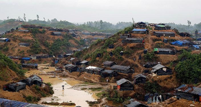 Campamento de los refugiados rohinyás en Cox's Bazar, Bangladés