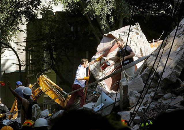 Labores de rescate tras el sismo en México (archivo)