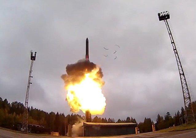 Potencia nuclear: lanzamiento del misil balístico ruso RS-24 Yars