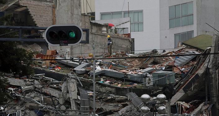 LO ÚLTIMO: Cascos Blancos de Argentina envía ayuda a México