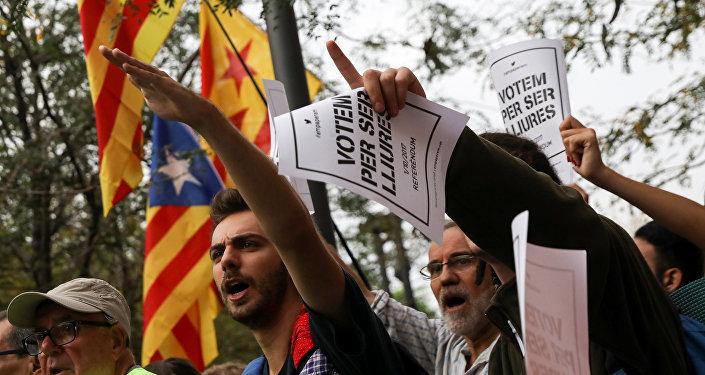 Estudiantes protestan contra la 'mano dura' de la Guardia Civil hacia el Gobierno catalán