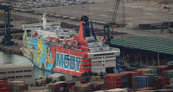 Moby Dada, uno de los cruceros decorados con los personajes de Looney Tunes de Moby Lones