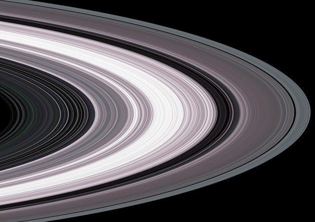 Partículas del anillo de Saturno