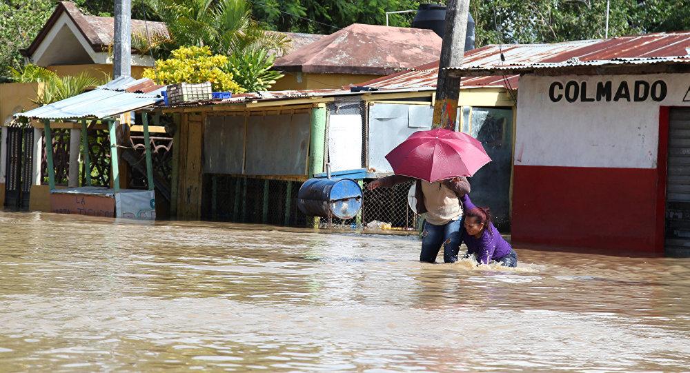 El desbordamiento del río Yuna en República Dominicana tras el huracán María