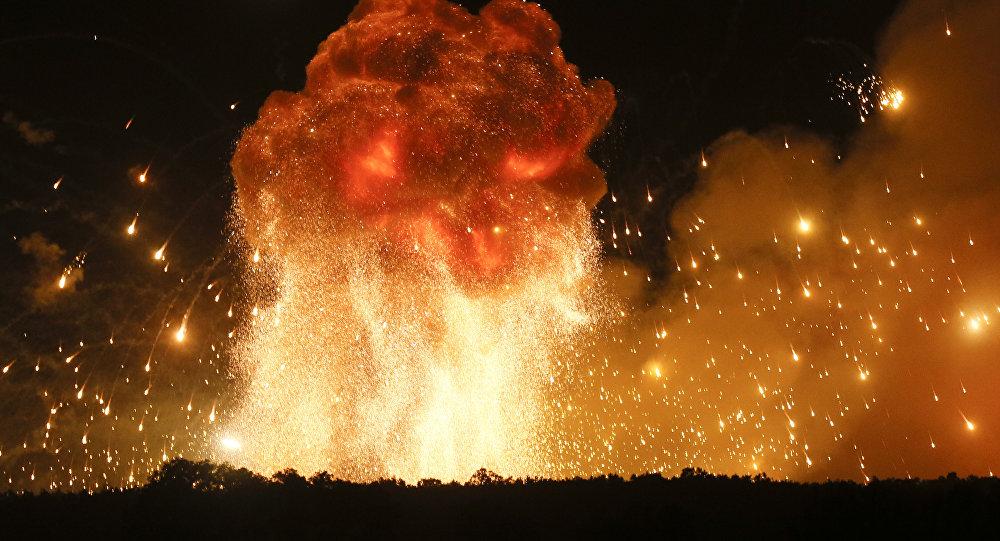 Explosiones en un arsenal de municiones (imagen referencial)