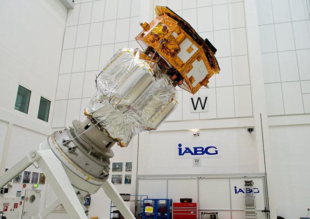 Un satélite para detectar ondas gravitacionales