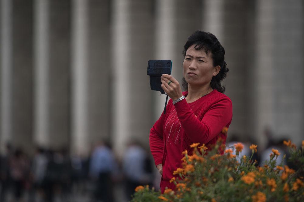 Ni una señal de preocupación: la rutina diaria del 'reino de Kim III'