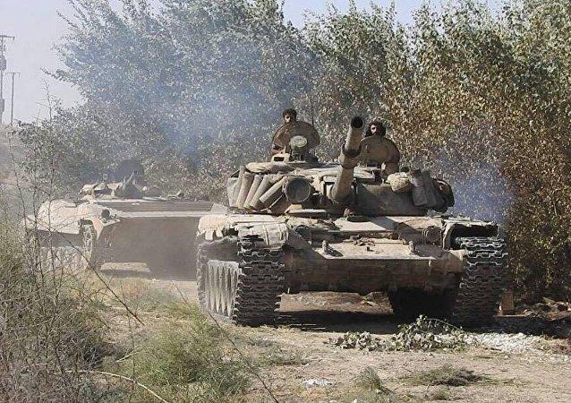 Ejército sirio avanza hacia Deir Ezzor (archivo)