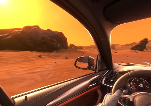 Un BMW X3 navegando Marte en un vídeo publicitario