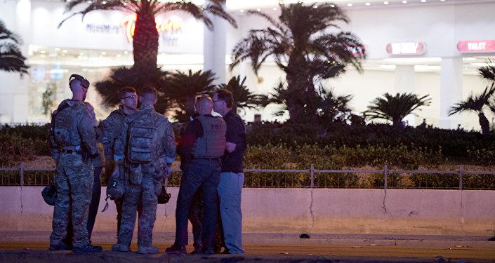Agentes de FBI tras el tiroteo en Las Vegas, EEUU